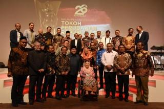 Ketua MPR RI Zulkifli Hasan Menghadiri Malam Anugerah Tokoh Pembaharuan Republika, Jakarta (Rabu, 24 April 2019)